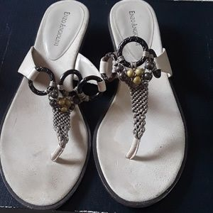Low heel sandals in very good condition.